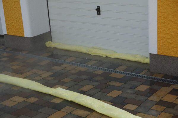 Oil binding hose